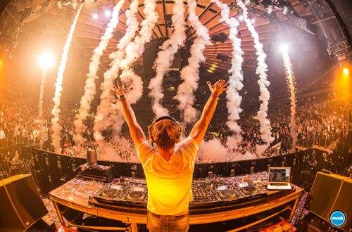 Armin van Buuren / billboard.com